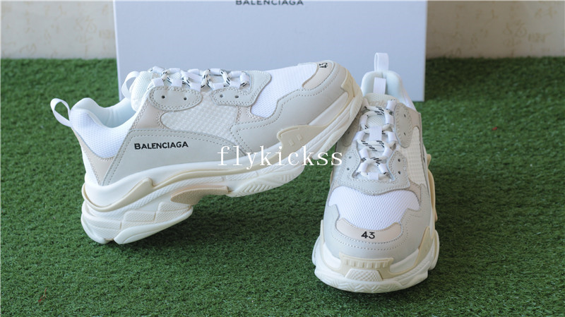 Balenciaga 2017 Fall Winter Triple-S Sneakers Cream